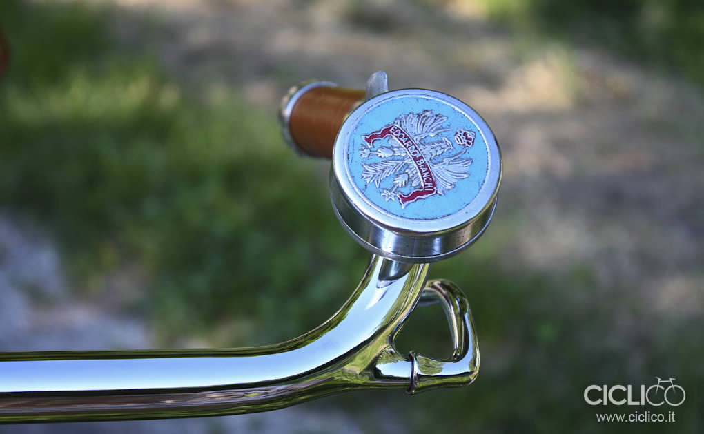 ciclico, crema, pistacchio, bianchi, freni a bacchetta, cestino bici, vimini, bici donna, restauro bici, brooks, sella brooks, campanello bianchi