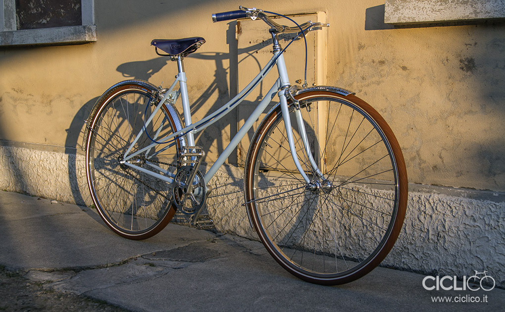 Fata La Parisienne woman city bike singlespeed, telaio Atala rondinella, guarnitura Gipiemme