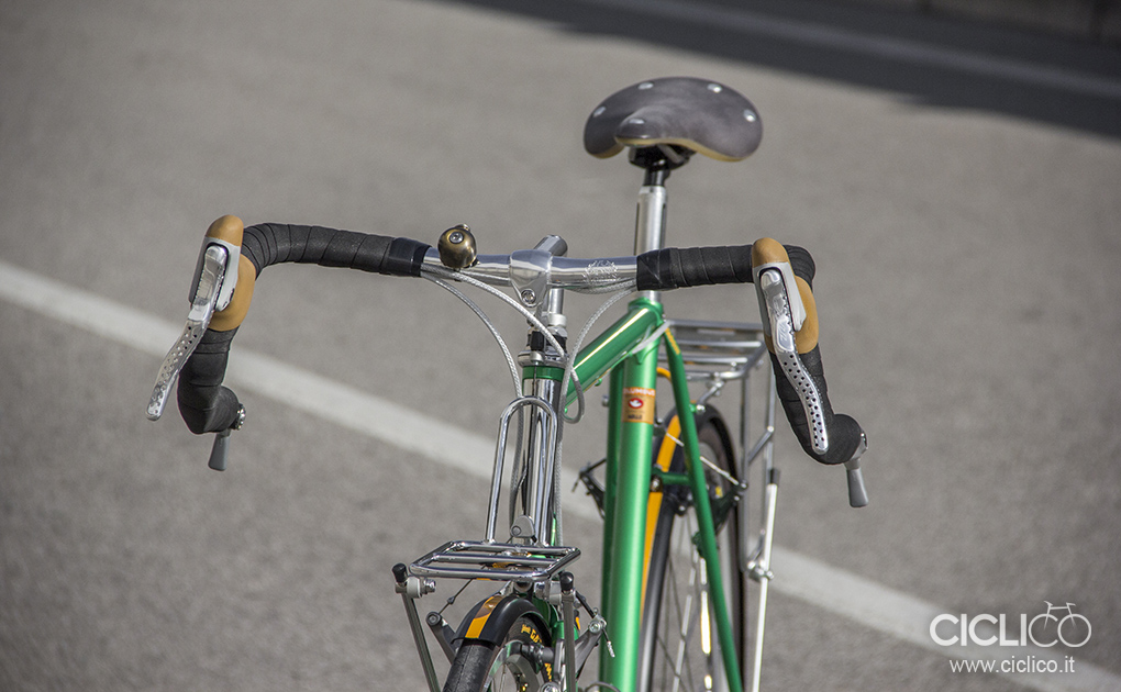 faggin, steel bike, restauro bici, bici vintage, shimano, cantilever, touring bike, bici da viaggio, restyling, brooks england, cambium, brake levers trp, specialized fenders, nitto, continental gatorskin, mks touring pedals, paul component monkey, cable hanger, ultegra cranckset 6503, shimano 105 fd-5503, bar end shifters, dura ace 7700, 9-speed, mavis open pro rims, velo orange handlebar, brooks england, ciclico, custom bikes, custom works, hand made bikes, workshop