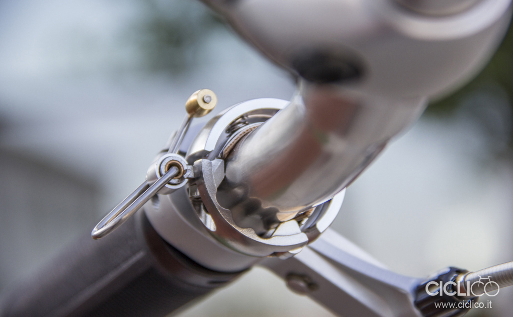 knog Oi Luxe bell, bike bell
